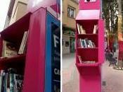 antigua cabina telefónica convertida espacio para intercambiar libros Salamanca