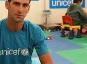 Novak Djokovic visita niños refugiados Serbia