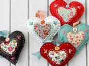 Corazones fieltro bordados Felt embroidered hearts
