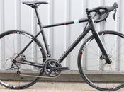 Novedades gama bicicletas Bikes para 2016: Alto Arpavi modelo carretera frenos disco; además Aomori Shizuoka