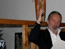 Honoris Causa Germán Velásquez: agoniza lentamente privatiza""