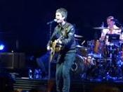 tocan Noel Gallagher Londres still haven't found what looking for' 'All need love'