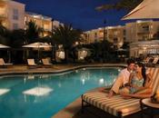 Busca hotel alojarás durante viaje novios