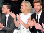 "Protagonistas ""The Hunger Games"" inmortalizaron manos Hollywood"