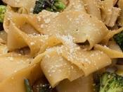 Pasta oriental brócoli boletus soja