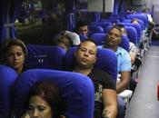Migrantes cubanos llegan Guatemala tras recorrer Salvador