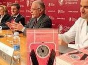 """Clínica Universidad Navarra presenta batalla todos días"""" escritor José María Merino"""
