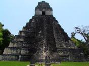 Plaza Grande ciudad maya Tikal. Guatemala
