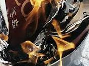 Stop Desahucios quema cartillas CCM-LIBERBANK imágenes.