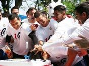 Chivas festeja aniversario pastel