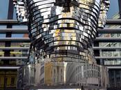 escultura giratoria cabeza Franz Kafka
