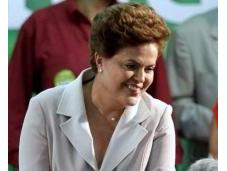 "Brasil estrena presidenta ""Dilma Rousseff asume nombra ministras"""