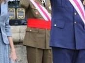 Reyes Príncipes Asturias Pascua Militar. look Dña. Letizia