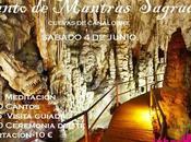 Canto Mantras Sagrados Cuevas Canalobre