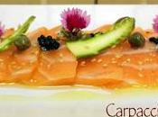 Carpaccio salmón fresco alcaparras espárragos verdes