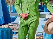 Moderno traje novio entallado, slim fit, color verde