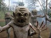 tribu asaro: hombres barro.
