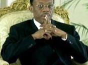 sacerdote llegó presidente