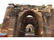 Cuatro muertos templos dañados Bagán terremoto 6,8, resulta herido español