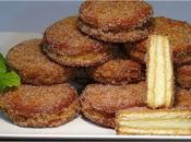 Galletas fritas rellenas crema pastelera vainilla