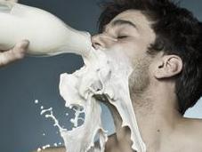 bueno malo tomar leche vaca? Mitos verdades