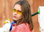 Consejos para evitar dolor espalda hora limpiar hogar