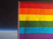bandera LGBT espacio.