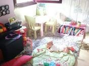 Zona juegos para niños salón casa