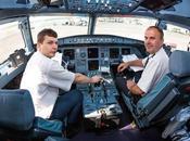 Vista interior cabina avión comercial grados