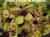 Ensalada quinoa, coles bruselas arándanos