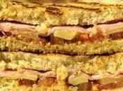 Sándwich integral jamón cocido, queso emmental kumato. apetece cocinar)