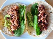 Burritos veganos arroz, alubias, aguacate espinacas