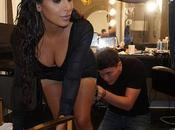 aplican #Maquillaje corporal Kardashian #Moda #Belleza (FOTO)