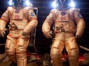 astronautas pisan superficie Marte forma simulada