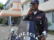 Santiago Cuba: Policía canta reguetón
