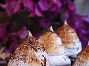 Cápsulas chocolate negro rellenas crema pastelera merengue tostado