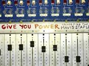 Escucha nuevo single Arcade Fire Mavis Staples: give power'