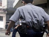 VIDEO: Cubanos indignados arremeten contra policía