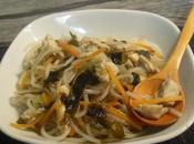 Fideos pollo, algas verduras