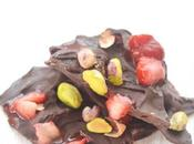 Reto Alfabeto Dulce: Rocas chocolate, fresas pistachos.