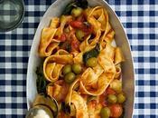 Pappardelle all`arrabiata tomates cherry, espinacas olivas