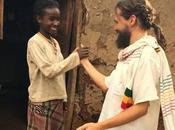Comparte difunde Mundo Igual (canción Donés) AEPap Save Children, Rowing Together Alegría Fronteras