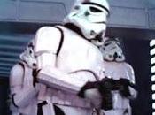 Stormtrooper golpea cabeza Star Wars expl...