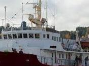 barco racista extrema derecha patrulla Mediterráneo.