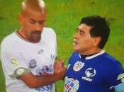 Bochornoso incidente entre Maradona Verón casi empaña partido