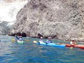 Kayak Santorini: flotar aguas volcánicas