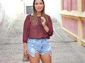 Outfit Burgundy blouse