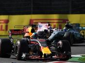 Horner quiere retener Ricciardo hasta 2020, Wolff responde Helmut Marko