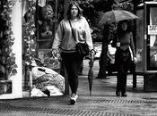 mujer paisaje urbano