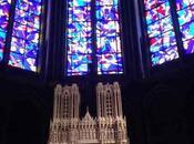 Reims vidrieras violetas